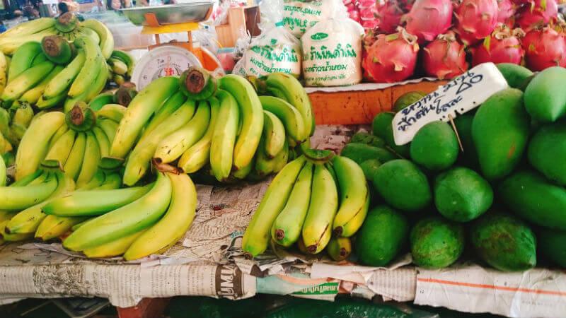 Sam Yaek Market/ตลาดสามแยก 日本語にすると三叉路市場という名前のこの市場
