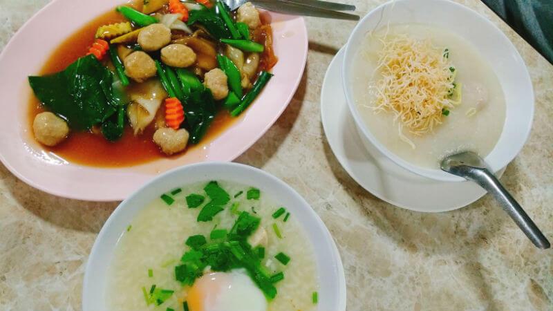 ジョークソムペッ | 24時間営業のお粥屋さん Jok Sompet/โจ๊กสมเพชร