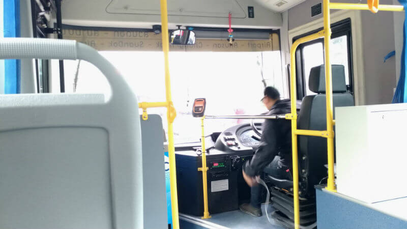 チェンマイ空港からニマンヘミン・ナイトバザールへは巡回バスが便利