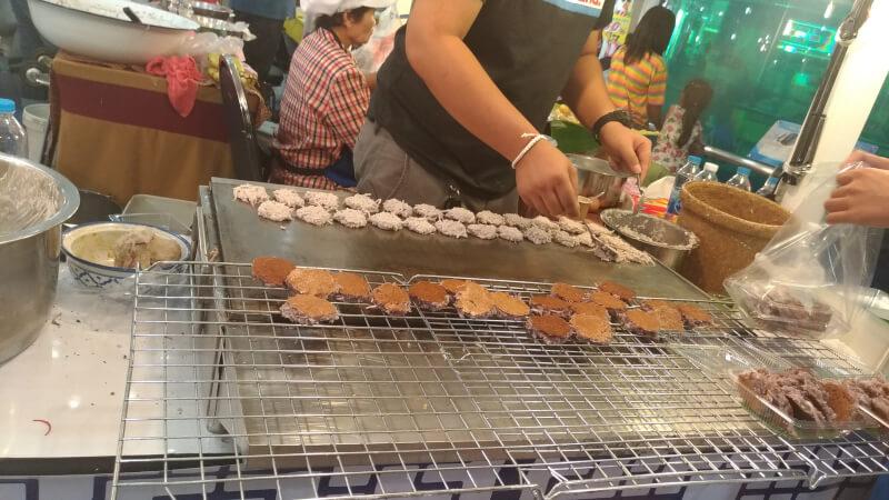 ココナッツ風味のタイ菓子