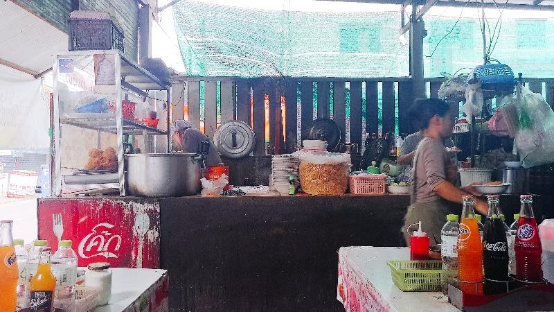 ルンプラギジャガーゴム | チェンマイ1美味しいと評判のカオソイ屋さん