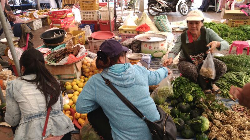 チェンマイの金曜朝市・ガードバーンホー | チェンマイの中の小さな雲南