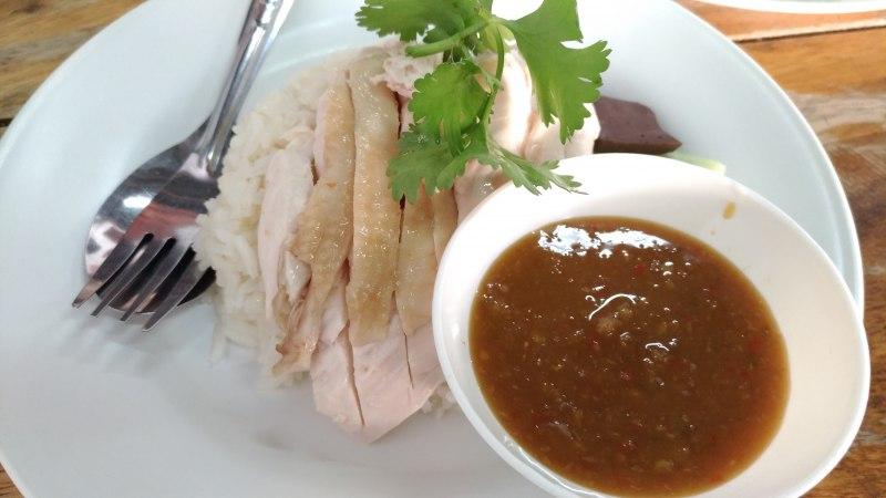 ポージェットข้าวมันไก่ ป.7 | チャンプアックエリアのローカルカオマンガイ屋さん