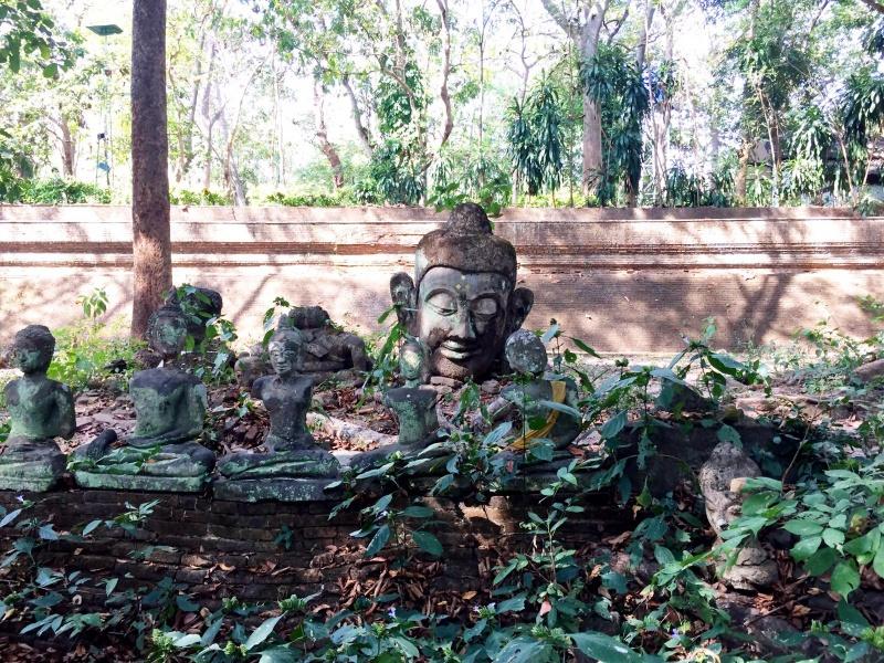 ワットウモーン | 瞑想センターもある遺跡のような静かなお寺。