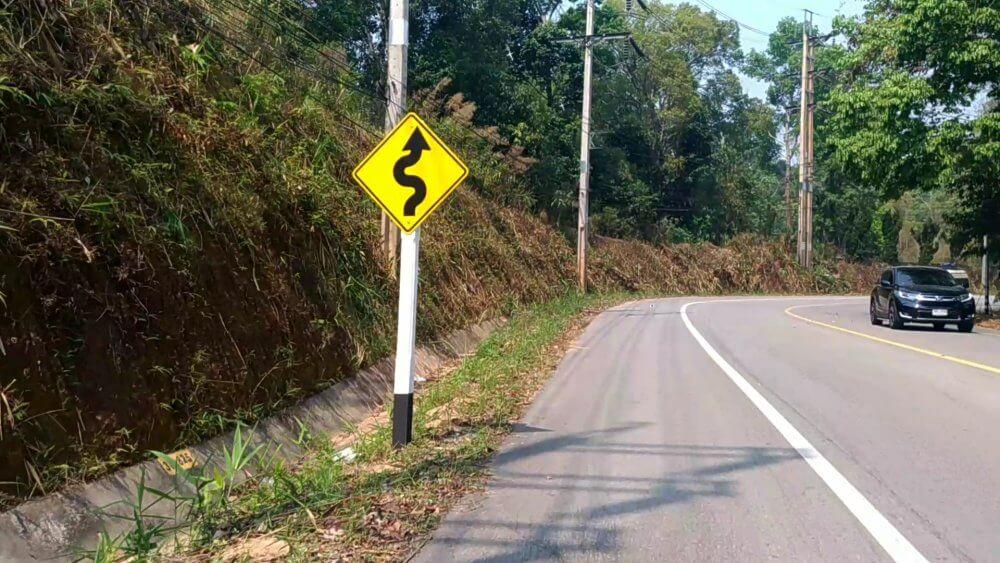 チェンマイからパーイへの行き方・バイクツーリング